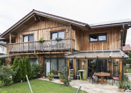 Naturi Holzhaus in Pang